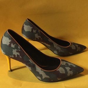 Authentic Giuseppe Zanotti heels 40 Size 8.5 or 9?